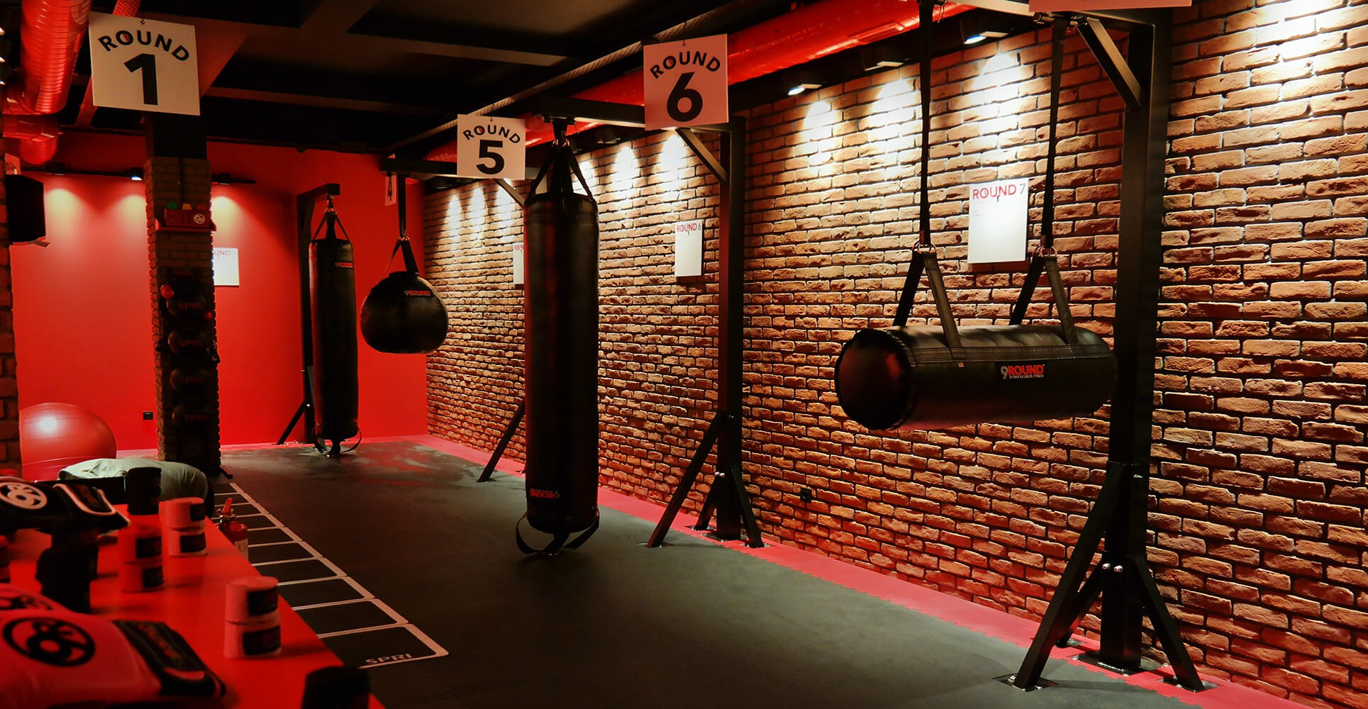 Spor Salonu - Harman Tuğla